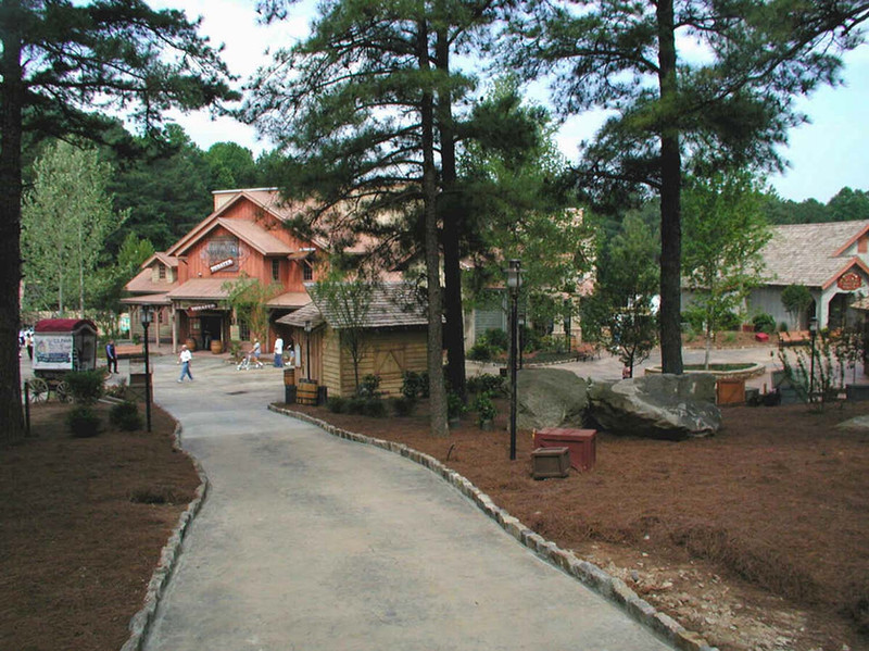 Crossroads at Stone Mountain Park