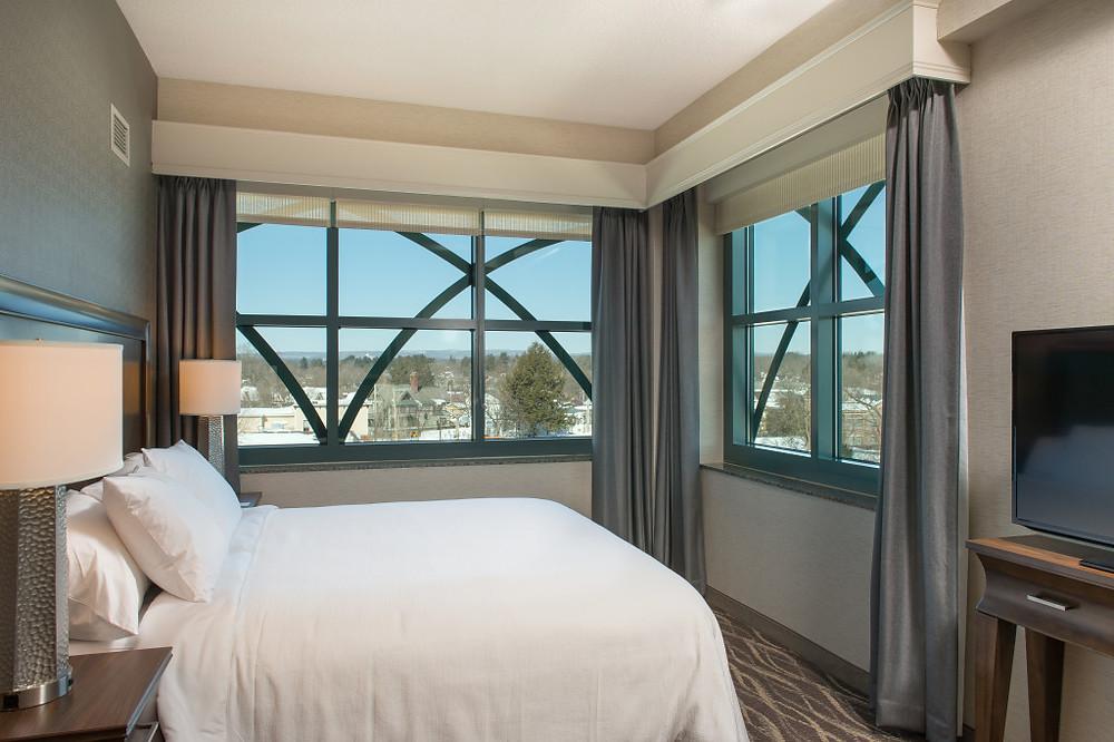 Saratoga Springs Embassy Suites Bedroom