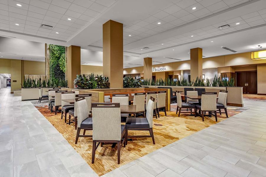 Embassy Suites Jonesboro Red Wolf Convention Center Breakfast Seating