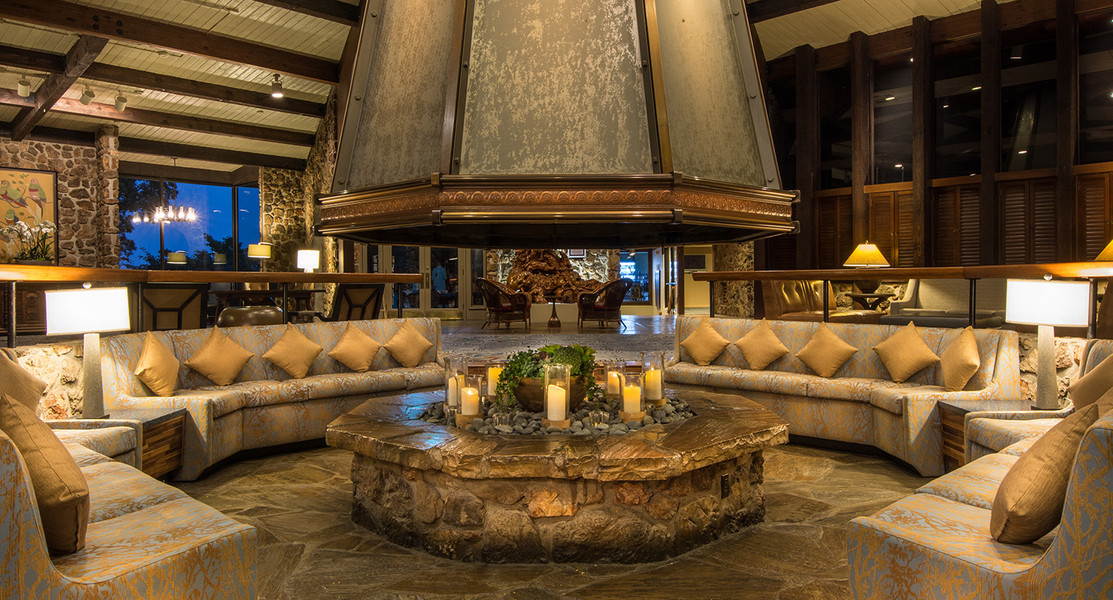 The Lodge at Four Seasons