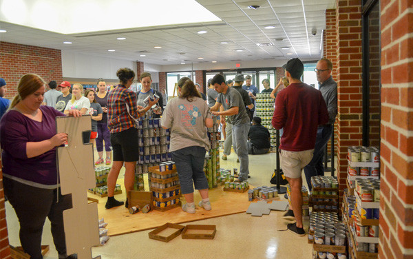 Canstruction U Build Day