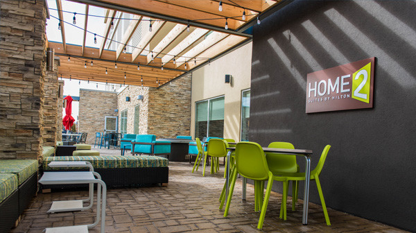 Home2 Suites Springfield - Patio