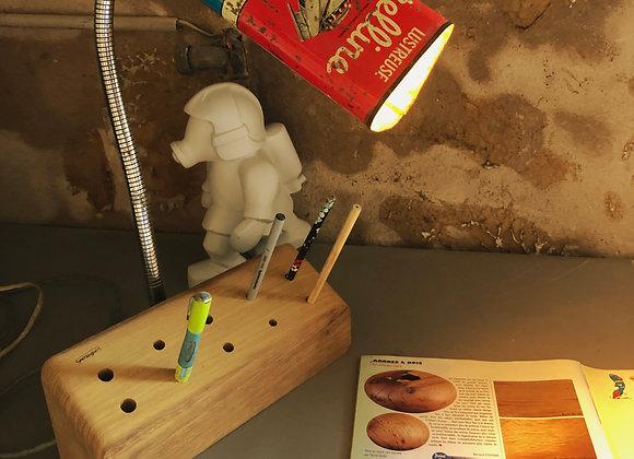 Lampe support crayon pour bureau dans l'univers vintage