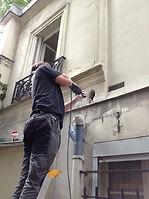 rénovation des évacuation pour le toilette. modification de la facade.