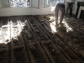 restauration du plancher en bois - Point de hongrie