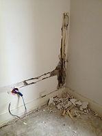 rénovation de la plomberie et des enduits. rénovation des peintures
