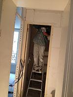création des cloisons de la salle de bain et rénovation intérieur de chambre