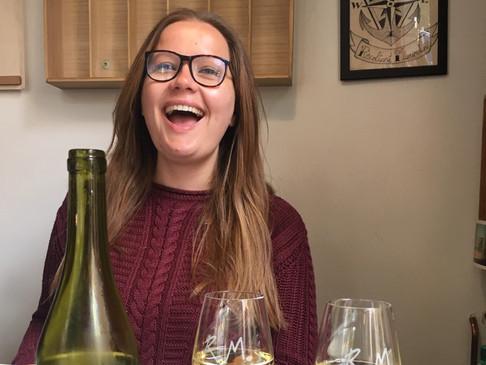 Portrait de vin au féminin - Le métier de caviste par Myriam Chaperon