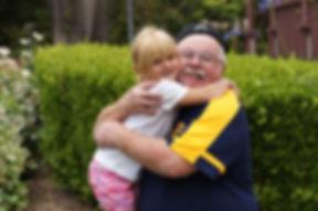 grandfather-2043611.jpg
