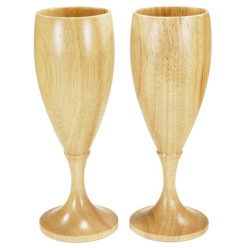 2 stk vin og champagneglass på stett