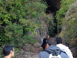 Primera sortida de l'any! Els adolescents hem anat a la Cova Simanya com bons exploradors i hem