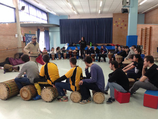 Aquest dissabte vam aprendre com tocar i tenir ritme