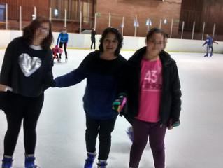 Avui els cavallers hem anat a patinar sobre gel! Som tots uns valents!