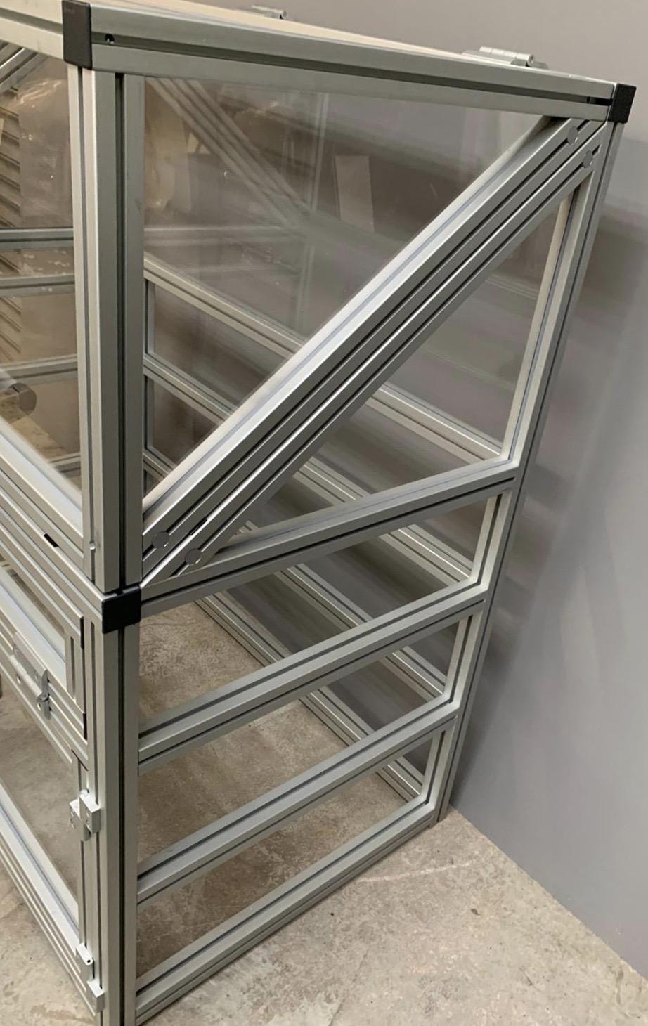 UV Lamp Test Cabinet (4)