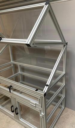 UV Lamp Test Cabinet (3)