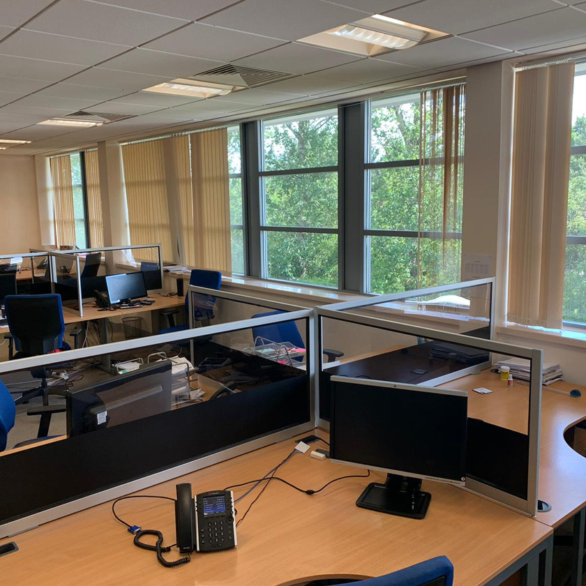 Screens designed for the office with privacy strip