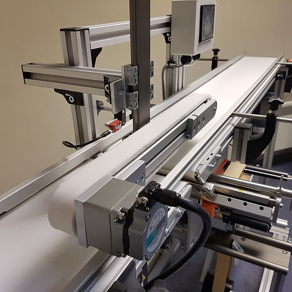 Small conveyor for labelling by LMI Solu