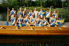 2000c WAR CANOE LADIES masters
