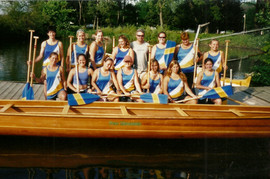 2000c WAR CANOE LADIES masters