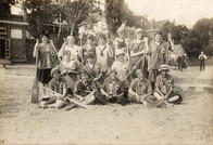 1919 all female x600 copy.jpg