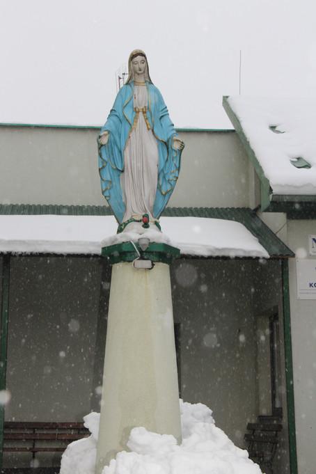 Przystań Maryi w Jarosławiu w zimowej szacie