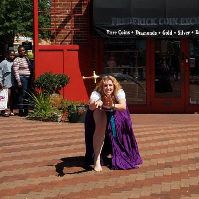Lindsey at Renn Fest '19.jpg
