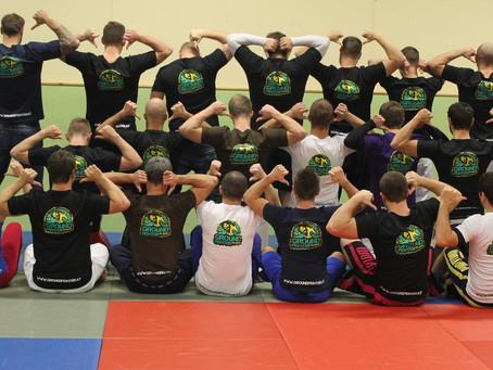 Neue Team Shirts & Hoodies