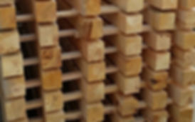 Barrotes de madera secando