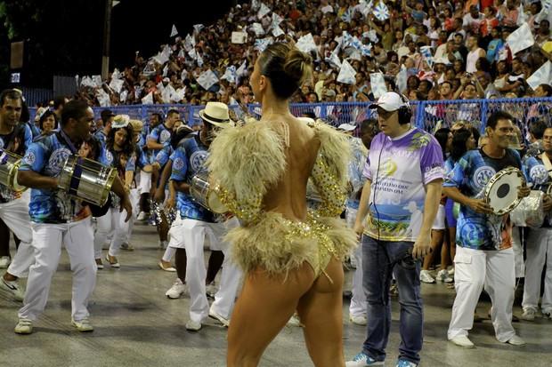Abarrotado el Sambódromo en la segunda noche del Carnaval de Rio 2018 (video)