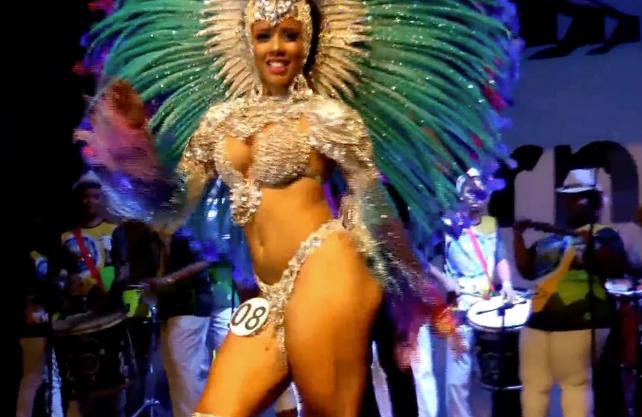Ya comenzó el Carnaval Rio de Janeiro 2017 en el Sambódromo  (video de las candidatas a Reina)