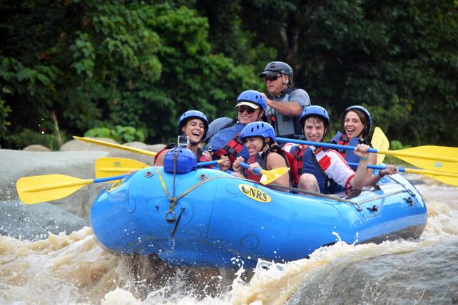 Aventuras en los rápidos de Costa Rica