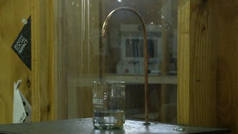 Empresa chilena inventa una máquina que crea agua potable del aire usando energía solar (video)