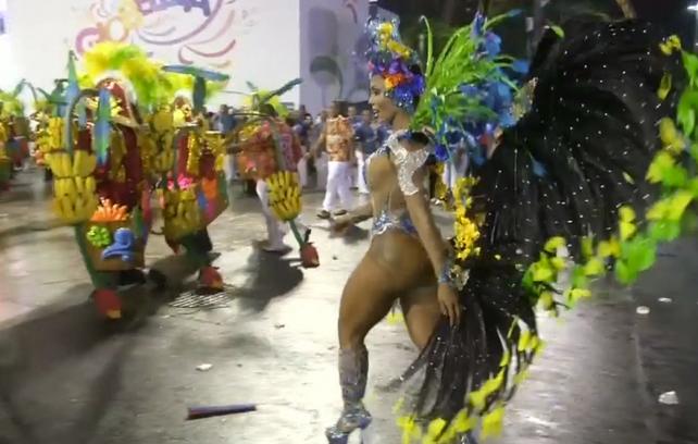 Las mejores escuelas de Samba de Rio desfilan ya en el Sambódromo (vea el resumen del espectáculo)