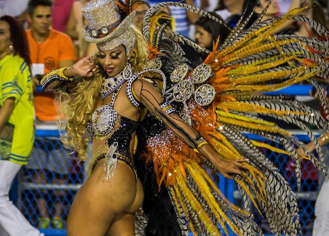 Ensayos generales de los Carnavales de Rio de Janeiro, Brasil (video)