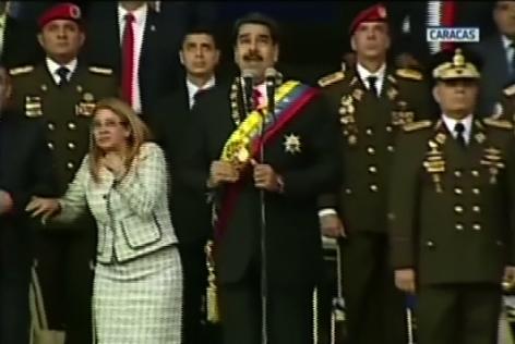 !Última Hora! Ocurre explosión durante acto donde hablaba Presidente venezolano Nicolás Maduro. Conf