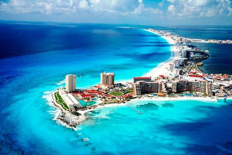 Hoteleros acusan a políticos de Quintana, Roo, en México, de ocultar bajada de turistas (video)