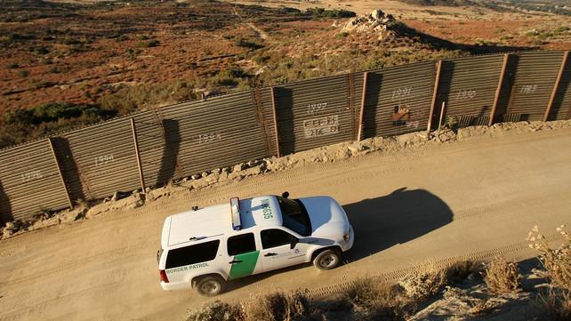 Llegan menos inmigrantes a la frontera de Estados Unidos, la cifra más baja en los últimos 17 años (