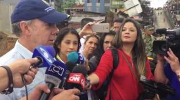 Presidente colombiano visita lugar de la tragedia en Mocoa (video)