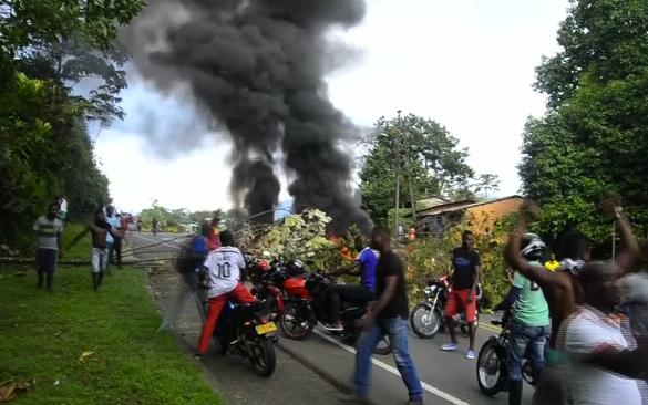Continúan protestas en Buenaventura, ciudadanos marcharon este sábado (video)