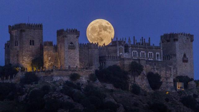 La Súper Luna, un espectáculo que deleitó a Europa