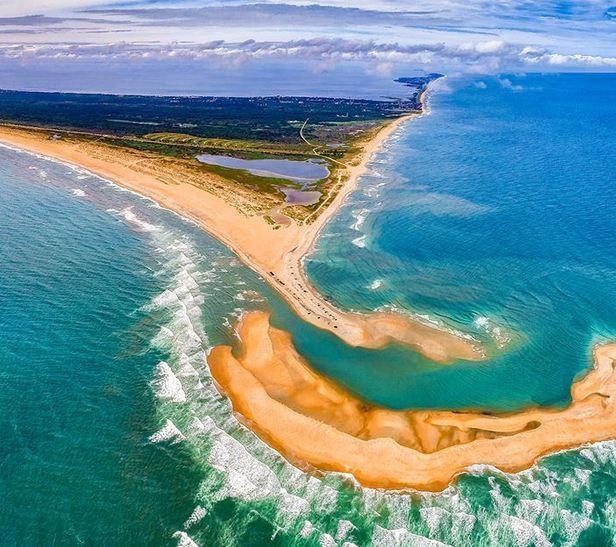 Emerge nueva isla en pocos días frente a popular costa de playas en EE.UU. (video)