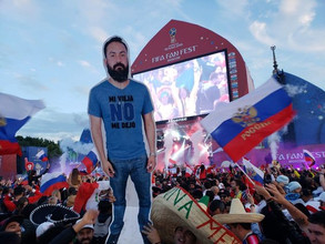 La esposa no lo dejó ir al mundial y se convirtió en uno de los personajes más populares en Rusia 20