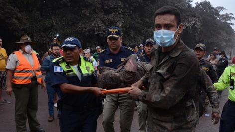 Se eleva a 62 el número de personas confirmadas muertas trás erupción del Volcán de fuego (advertenc
