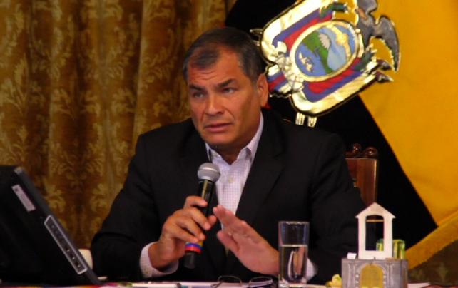 Presidente ecuatoriano Rafael Correa dice que candidato Lasso es facil de derrotar (vea video de con
