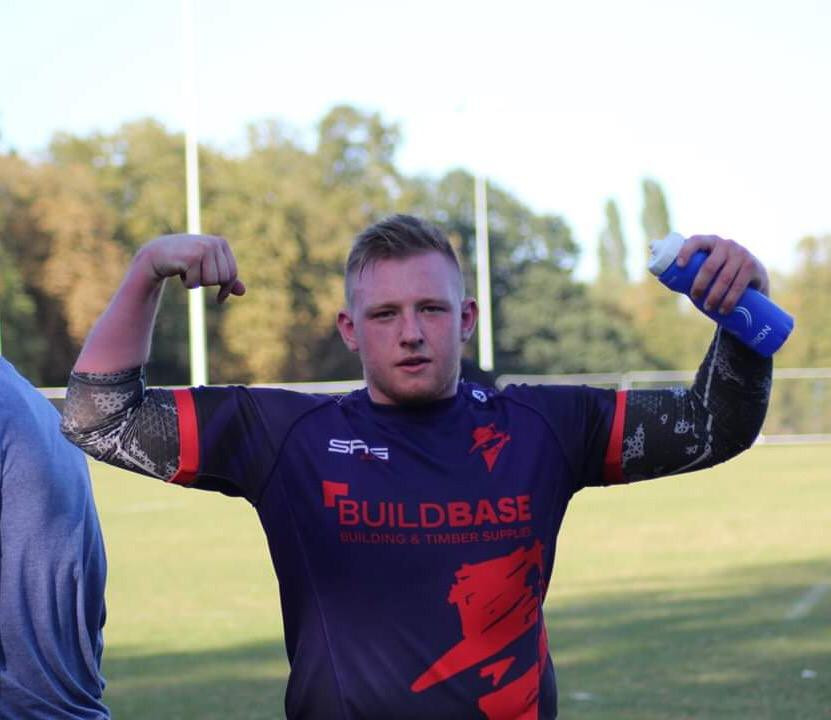 Outlaws Vice Captain shows off muscles