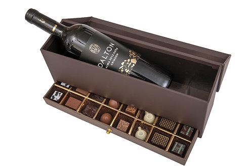 קופסת מגירה עם 16 פרלינים ויין