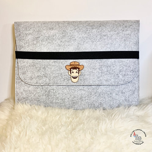 15.6 inch Light Grey Laptop Sleeve with Elastic Band and Iron-on Patch