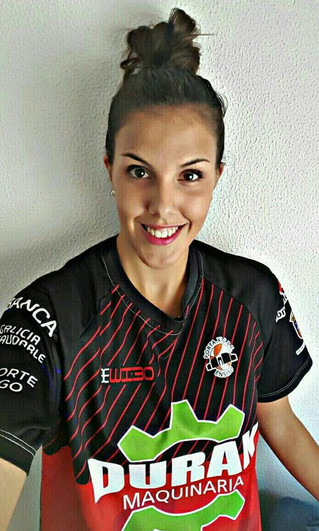 Lucía Méndez firma por el Porta XI Ensino