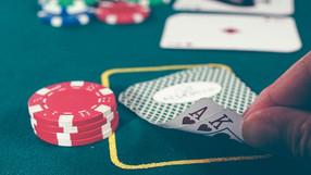 Jugador de Póker, empieza a guardar facturas, te harán falta