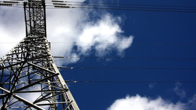 Cómo calcular la reducción en el impuesto especial sobre electricidad.